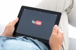 YouTube набрал 1 млрд часов ежедневных просмотров