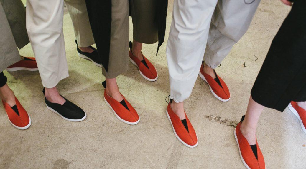 «Огненные тапки!» Как обувная компания омолодила аудиторию с помощью коллаборации